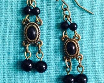 Black earrings.  Black bead earrings. Antique gold earrings. Dangly earrings. Black jewelry.Black bead jewelry.Antiques gold jewelryTBFB0836