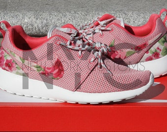 pxikn 2 Pairs LEFT Nike Roshe Run Pink Volt Island Floral by NYCustoms