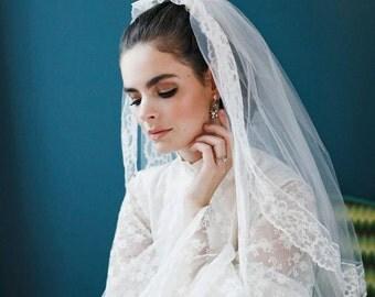 La Françoise - 1960s Wedding Dress with Floor-Length Sleeves