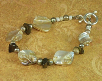 Bracelet of Shell and Pearl