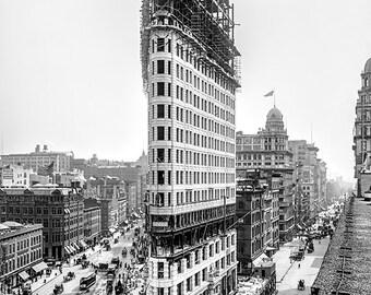 United States - New York - Flatiron Building under construction in 1902 - vintage photo - SKU 0144