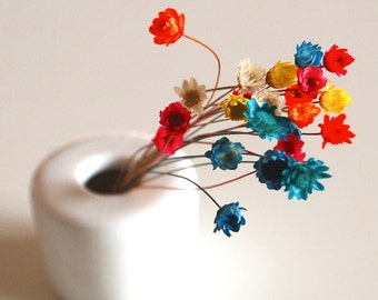 Dried flowers for hollow bead glass globe
