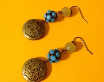 Romantic vintage inspired locket earrings.