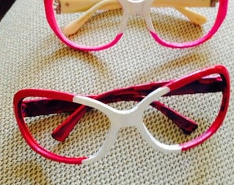 Pink goggles/glasses