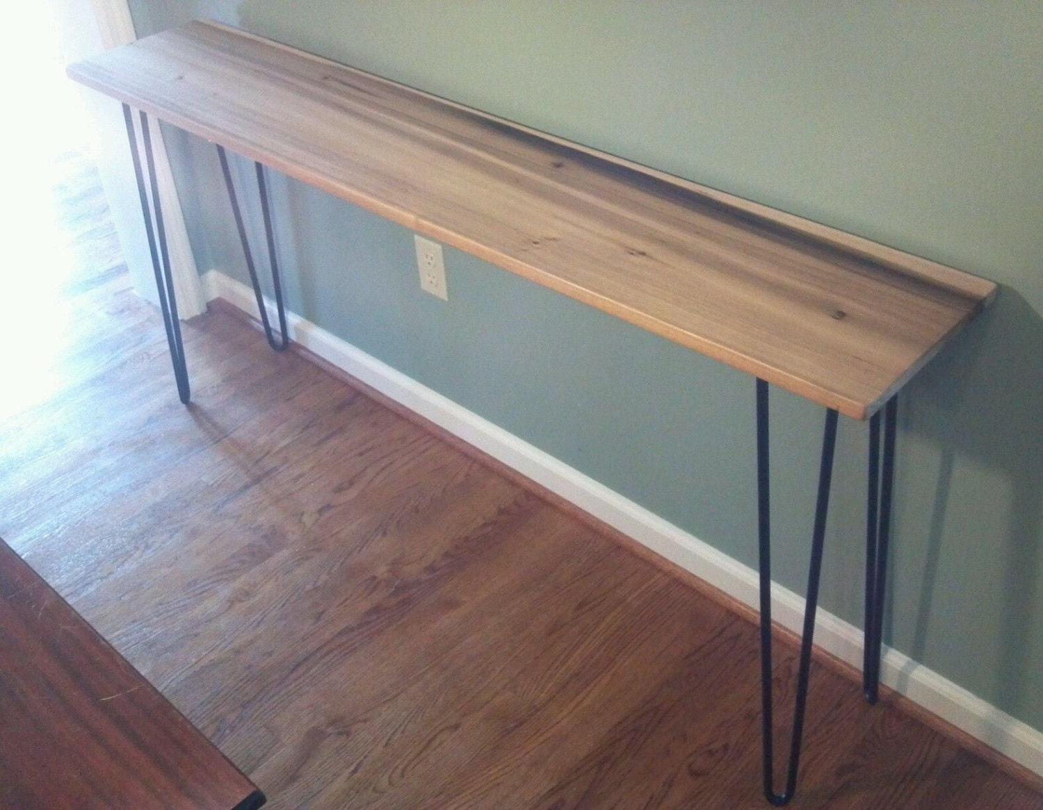 Beautiful Poplar Console Table With Black Hairpin Legs