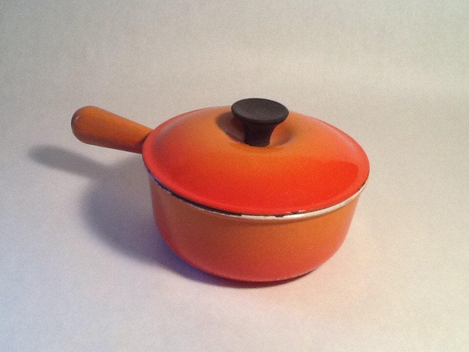 le creuset pot 18 made in france pot et couvercle en fonte. Black Bedroom Furniture Sets. Home Design Ideas