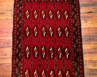 Vintage Persian Rug Blouch Oriental Rug / Geometric