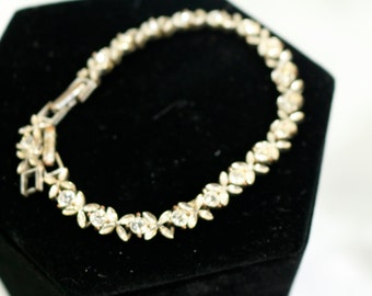 Vintage Avon Crystal Bracelet Silver Rhinestone Bracelet Crystal Bracelet Briadsmaid gift Brides Gift Vintage Jewelry