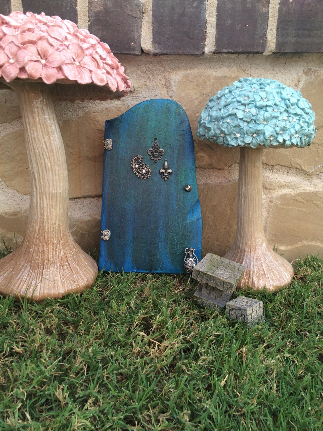Wooden fairy door 39 dream land fairy 39 tinkerbell for Tinkerbell fairy door