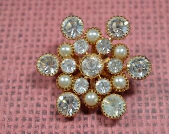 Vintage Snowflake Brooch Pin Goldtone Clear Rhinestone Faux Pearls Snowflake Vintage Pin Vintage Brooch Vintage Jewelry