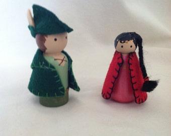 Robin Hood and Maid Marian peg dolls