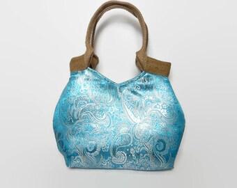Fashion tote bag, blue tote bag, elegant tote bag, fashionable tote bag, blue handbag, stylish shoulder bag, stylish handbag, evening bag