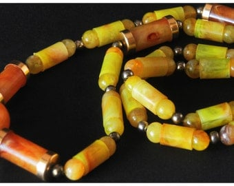 SALE!!!! Beautiful necklace with lucite marbled beads in light orange and yellow. Art-Deco style! Bakelit! Early plastic!