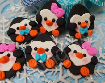 EDIBLE PENGUIN TOPPERS - Fondant penguin cupcake toppers. Perfect for those school parties or birthday parties or just for home