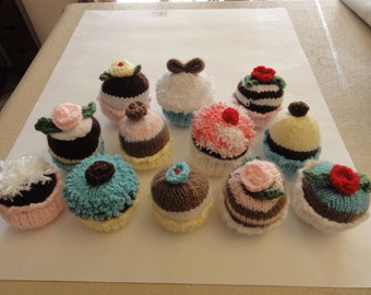 Knitted Cupcake Toys