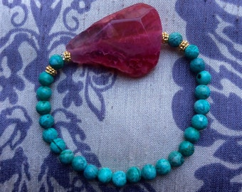 Bracelet with big Agate slice and Agate beads. Semi precious gemstones. Vermeil.