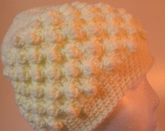 Womens Off-white Knitted Hat and Scarf