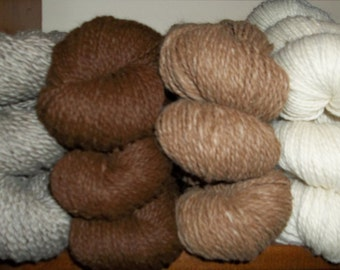 100% Alpaca Yarn--Natural Fawn/White--150yds--2-ply Bulky--Spunky and soft!