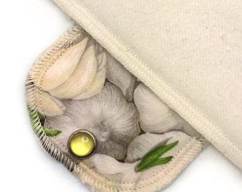 Over Night Organic Moonpads Cloth Pad - Garlic Bulbs