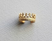 Solid 14K Yellow Gold Queens Crown Ear Cuff, Faux Piercing