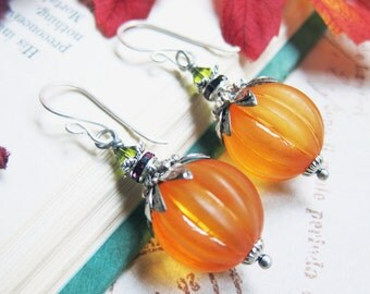 Sihaya Designs Pumpkin Earrings - Lucite Pumpkins in Silver - Halloween Pumpkin Jack O'Lantern Jewelry