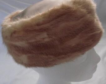 pillbox pill box hat honey blonde MINK pelts Lisette vintage fur pelts 50's 60's cap Boston store Erie Dry Goods Co. PA USA