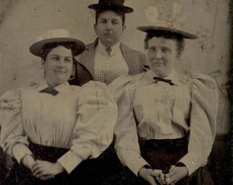 vintage photo 3 Large Women Wear Fashion of 1890s Hats Blouses tintype