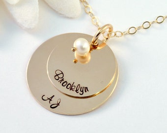 Personalized Gold Mother's Necklace, 14k Gold-Filled Mommy Necklace, Necklace for Mom with Freshwater Pearl, Handstamped