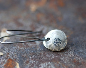 Silver Snowflake Earrings, Winter Jewelry, Nature Jewelry, Whimsical Earrings, Sterling Silver Circle Earrings, Snowfall, Snowflake Jewelry