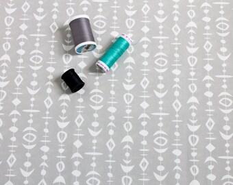 Atomic Fabric / Retro Fabric / Geometric Print / Kona Cotton / Fat Quarters / Gray and White / Kebab