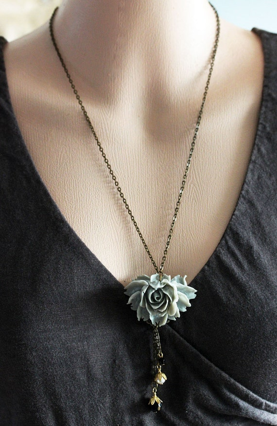 Gray Flower Necklace ,Gray Necklace, Vintage Flower Jewelry