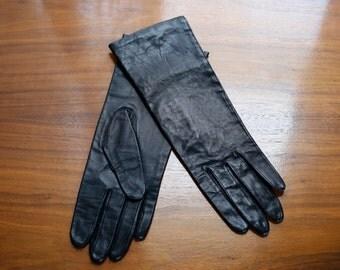 NOS leather gloves - black leather never worn 60s gloves - Japan size 7