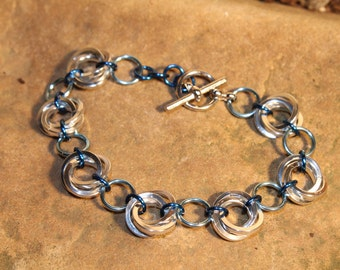Mobius-Rose Chainmaille Bracelet - Blue and Silver-colored