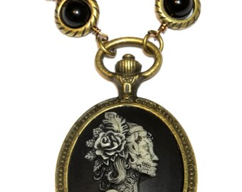 Steampunk Goth Jewelry - Necklace - Dia de la muerte