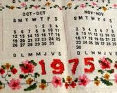 1975 Vintage Linen Rooster Farmhouse Tea Towel Calendar