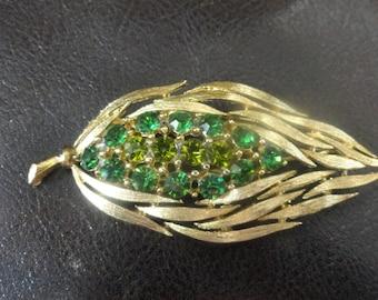 Lisner Vintage Brooch leaf design emerald green rhinestones gold-tone costume jewelry VTG