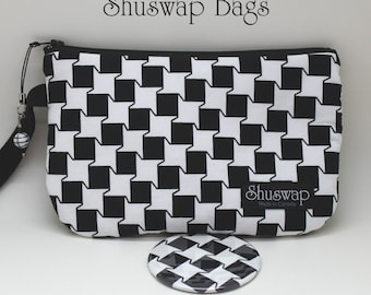 Graphic Black and White Wristlet and Mirror Set