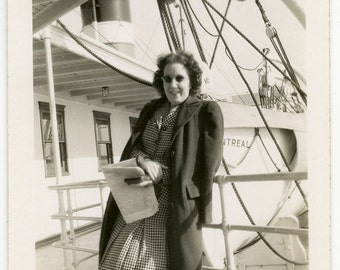 1945 Lady with SUNGLASSES and Newspaper on SHIP - snapshot 487-A