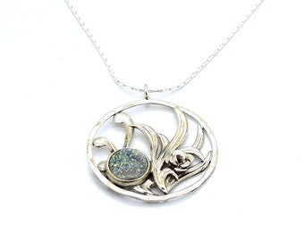 Flower shape design with an opal druzi silver necklace