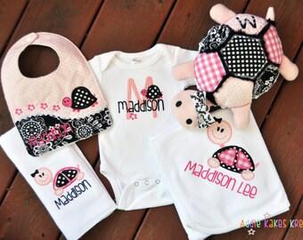 Personalized 5 Piece Turtle Themed Baby Girl Gift Set / Bodysuit, Bib, Burpcloth, Blanket and Plush Animal