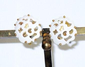 Vintage Monet White Lucite Cut Out Clip Earrings (E-1-2)