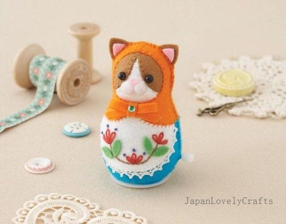 Felt clockwork toy russian matryoshka doll kitty cat for Felt cat toys diy