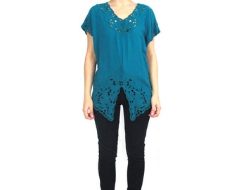 Vintage Bali Cutwork Blouse Floral Embroidered Cut Out Top Short Sleeve Teal Rayon Shirt Hippie Boho Asymmetrical Hem Tropical (XS/S)