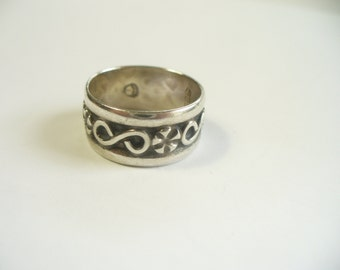 Size 6-3/4 - Vintage flower sterling silver ring - hand made - Taxco Mexico eagle mark