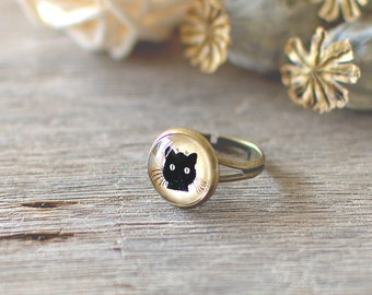Black Cat Ring. Halloween Ring. Adjustable Ring. Halloween Jewelry. Glass Dome Ring. Small Kitty Ring. Halloween Ring.