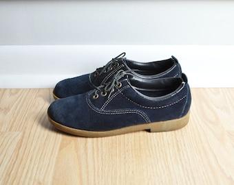 SALE Shoes Oxfords / Suede Navy Blue / Cute Stitching Flats / Preppy Granny / 80s Vintage / Size 6 / Euro 36