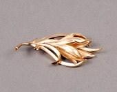 Trifari Leaf Brooch - Trifari Leaf Pin  - Vintage Brooch - Vintage Pin - Vintage Leaf