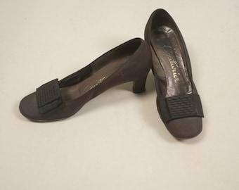 SALE • 1920s deco evening heels • vintage 20s shoes • black leather pumps • size 7.5