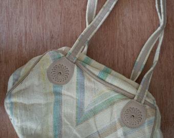 Vintage 80s Spring Oatmeal CARPET BAG of America BOHO Shoulder Purse