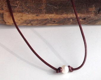 Leather and Pearl Necklace, Leather Cord, Dark Brown Leather Cord Necklace, Bridesmaid Gift, Leather and Pearls, Knotted Pearl Necklace